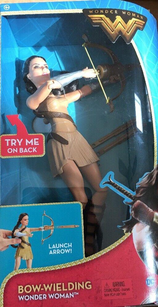DC Comics Bow-Wielding Wonder Woman Fashion Doll  (FDF38)