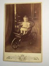 Riga - 1888 - kleines Kind im Kinderwagen - Kulisse / KAB