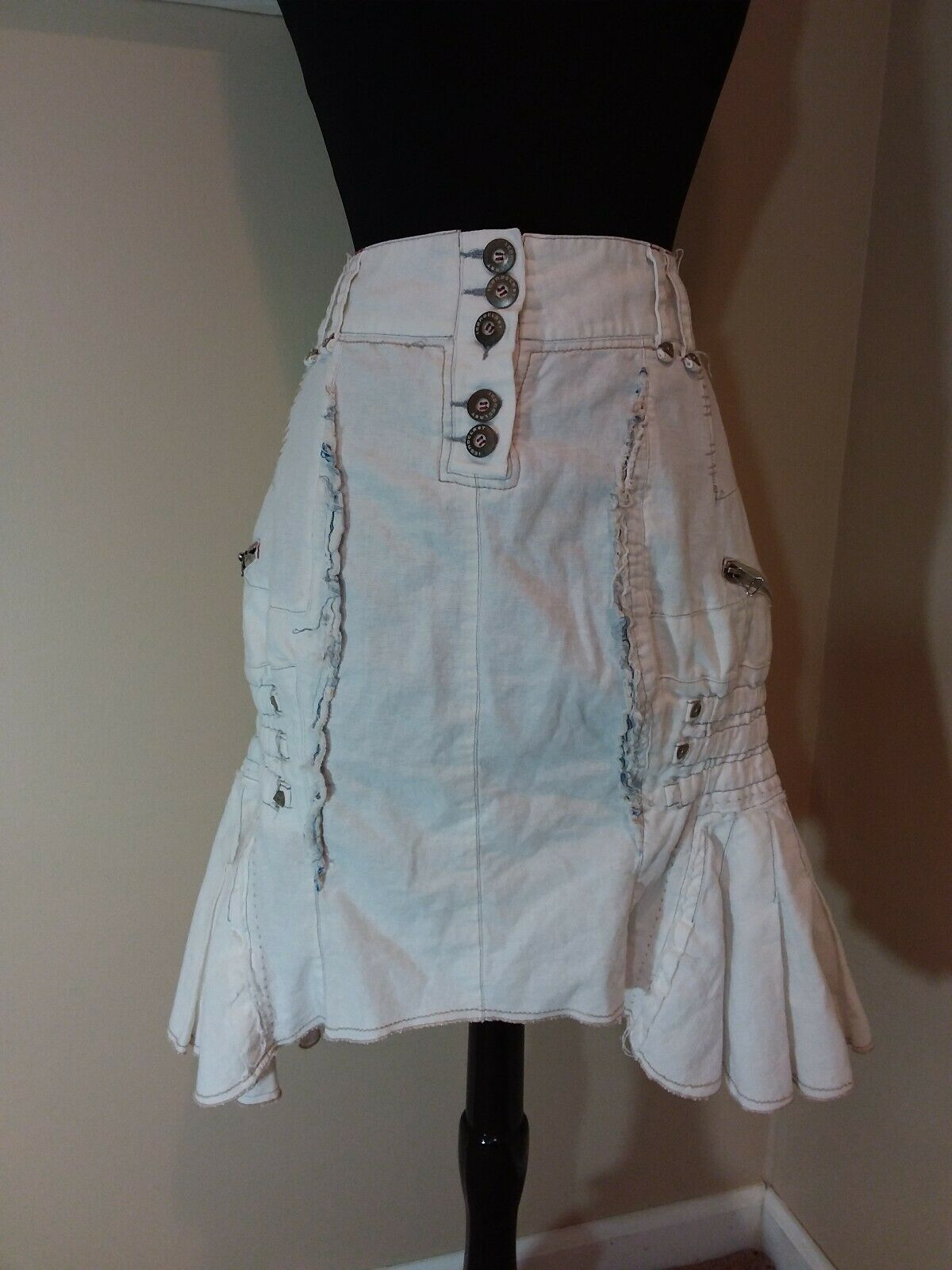 Iconoclast white denim lagenlook distressed jean skirt - size 40 - large