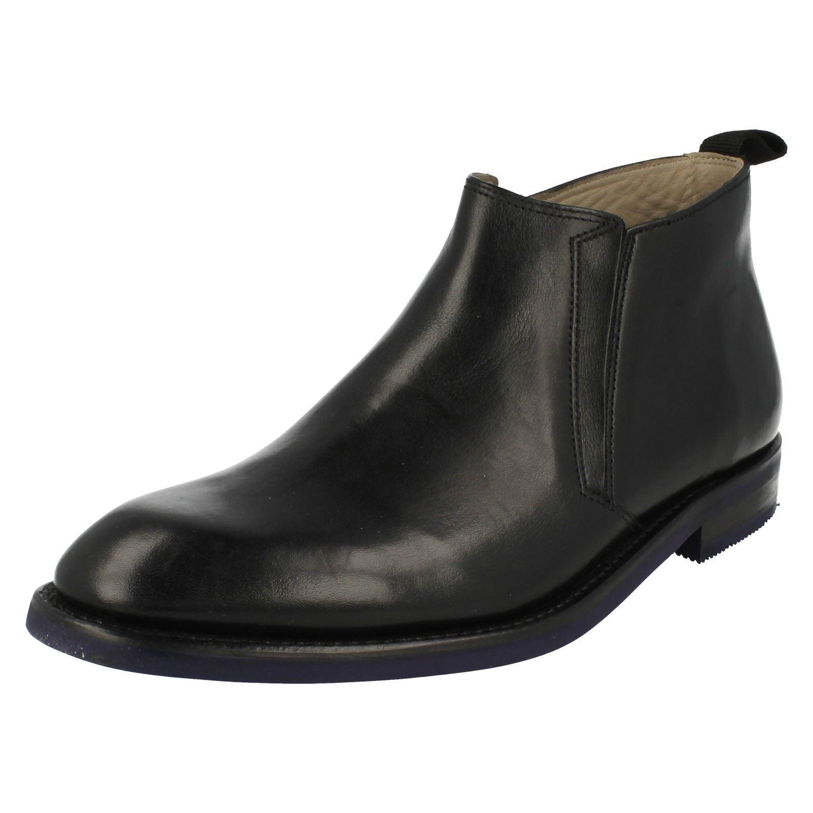 Herren Clarks SWINLEY Mittel schwarzes Leder Elegante Stiefel G PASSFORM