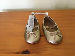 NWT Old Navy Gold Crib Shoes Baby Girls