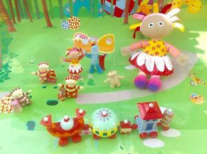 In-The-Night-Garden-Talking-Upsy-Daisy-Ninky-Nonk-Train-amp-Figures-Playset