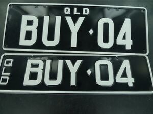 QUEENSLAND-REGO-NUMBER-PLATES-BUY-04-NEVER-FITTED-NEAR-MINT-FRONT-amp-BACK