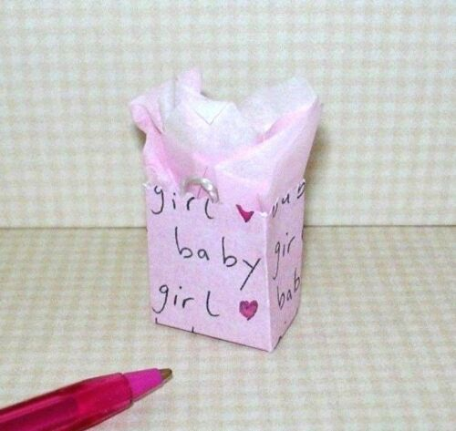 Miniature Colorful Gift Bag/Baby Gift-Girl (Pink): DOLLHOUSE Miniatures 1:12