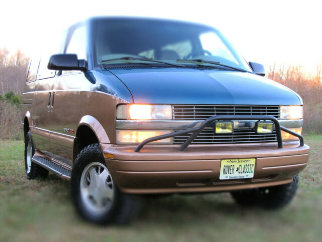 2002 Chevrolet Astro AWD LIFTED