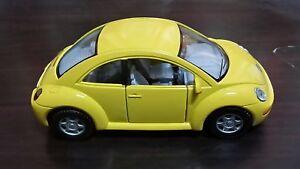 Volkswagen-New-Beetle-toy-car-Diecast-1-32-Kinsmart-yellow