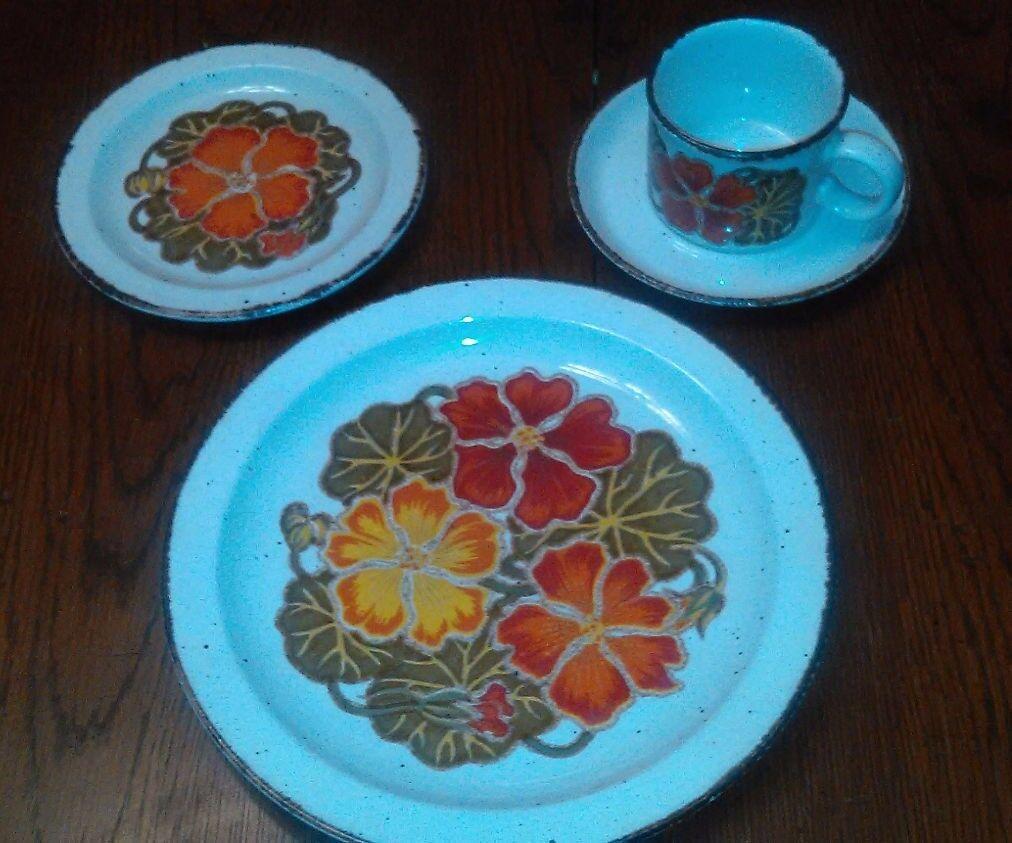 WedgWood Midwinter Nasturtium 1 place setting replacement dinnerware