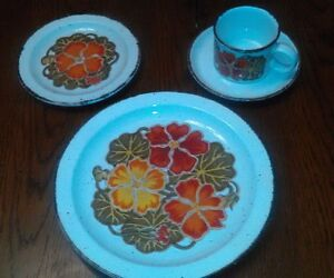 Image is loading WedgWood-Midwinter-Nasturtium-1-place-setting-replacement- dinnerware & WedgWood Midwinter Nasturtium 1 place setting replacement dinnerware ...