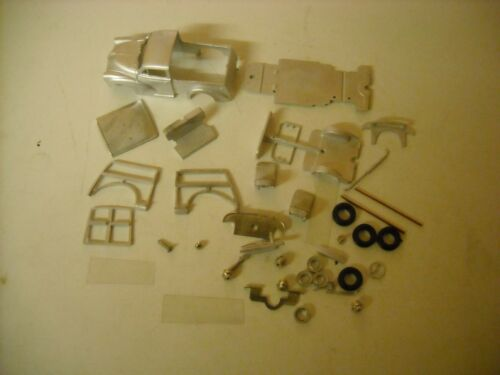 1//43rd scale by K/&R Replicas Morris 1000 Traveller  kit