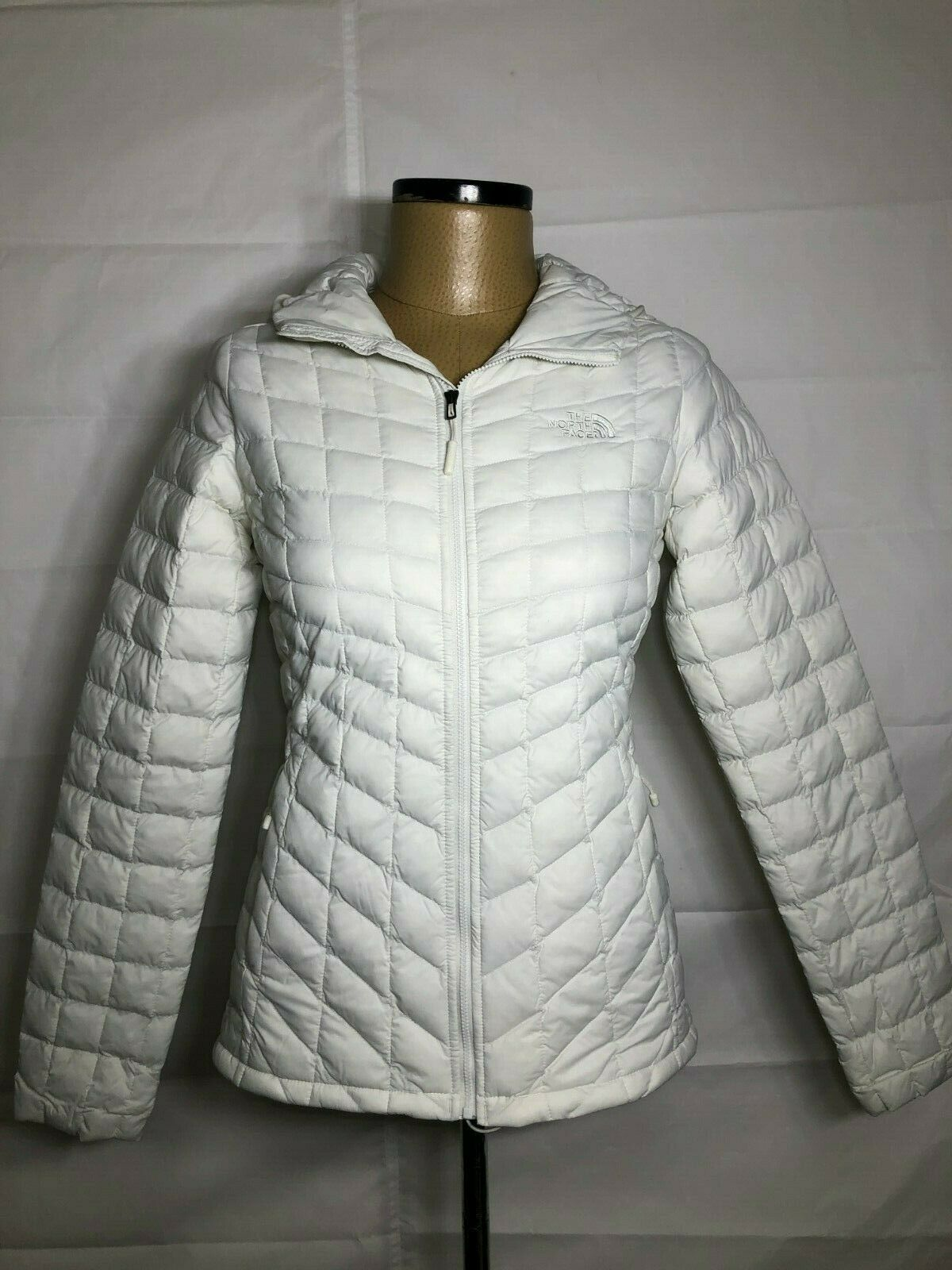 The North Face Women's White Thermoball Hoodie Different Sizes