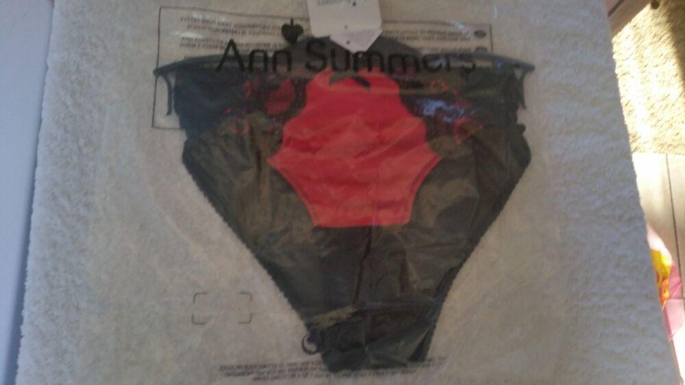 Ann Summers Charlotte Slips Noir & Rouge Taille 20 Neuf Avec étiquettes De Paquet Avec Cintre