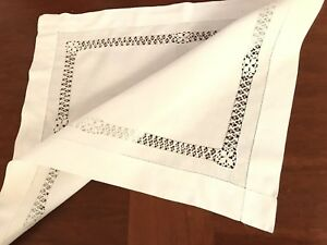 VINTAGE-Needlework-Drawn-Pulled-Thread-White-Linen-Table-Centre-Cloth-16x19