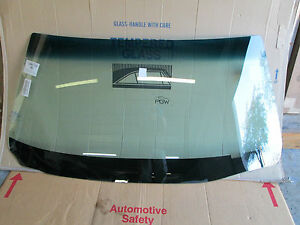 1980 1989 Lincoln Town Car Windshield Glass Dw909gbn Ebay