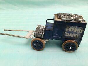 Chariot à lait Vintage Charbens Express pour livraison de produits laitiers avec caisses