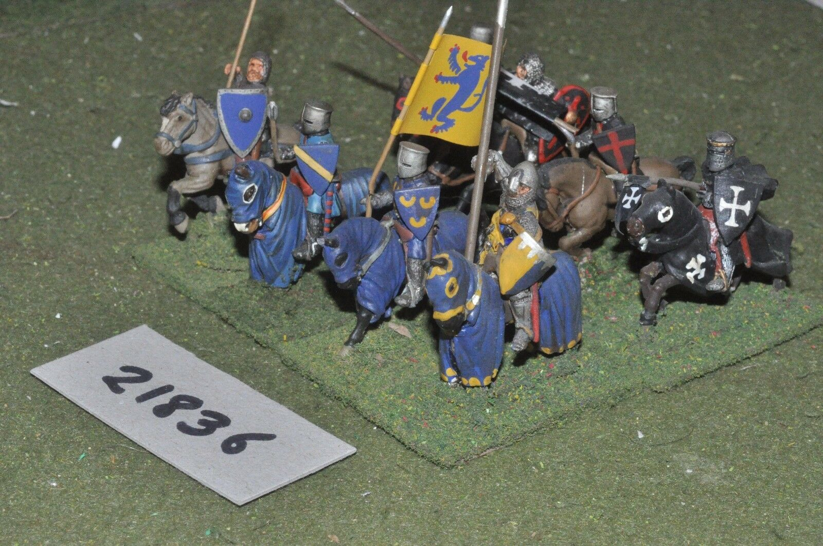 25mm medieval   english - men at arms 8 figs cavalry - cav (21836)