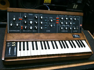 ORIGINAL-VINTAGE-MIDI-Moog-Minimoog-MODEL-D-Old-OSC-Analog-Synth-ARMENS