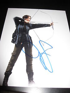 JENNIFER-LAWRENCE-SIGNED-AUTOGRAPH-8x10-CATCHING-FIRE-PROMO-HUNGER-GAMES-COA-E