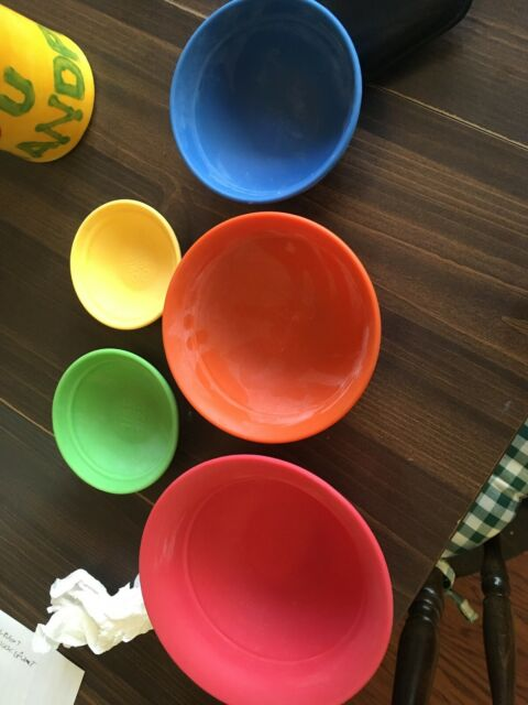Food Network Set of 5 Silicone Nesting Prep Set Measuring Cups Mixing Bowls