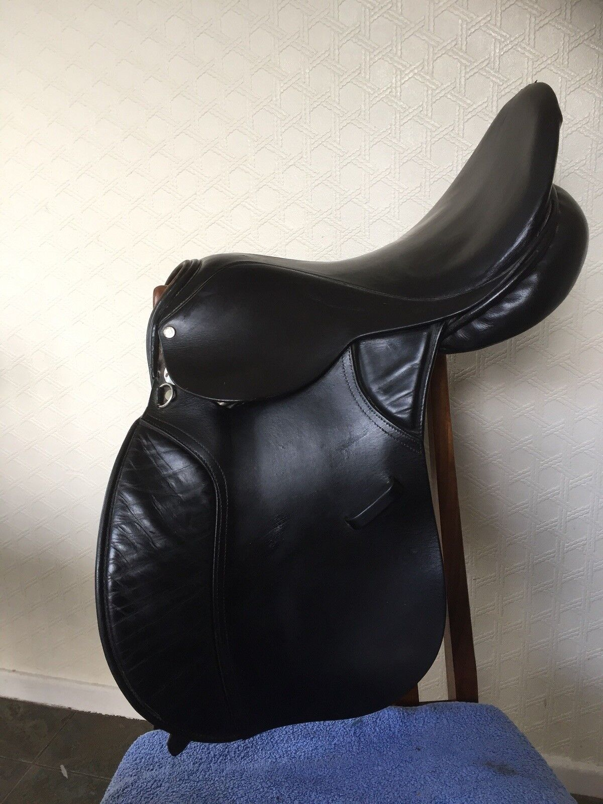 M&j Saddle