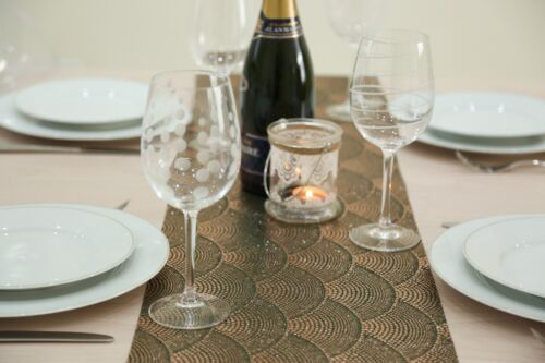 Green /& Gold Spotted Fabric Table Runner 2.5 Meters Long Elegant 8ft Length