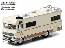 1:64 GreenLight *HD TRUCKS 8* 1973 Winnebago Chieftain Motor Home RV Camper NIP