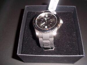 New-Victorinox-Swiss-Army-241435-Maverick-Men-039-s-Black-Watch