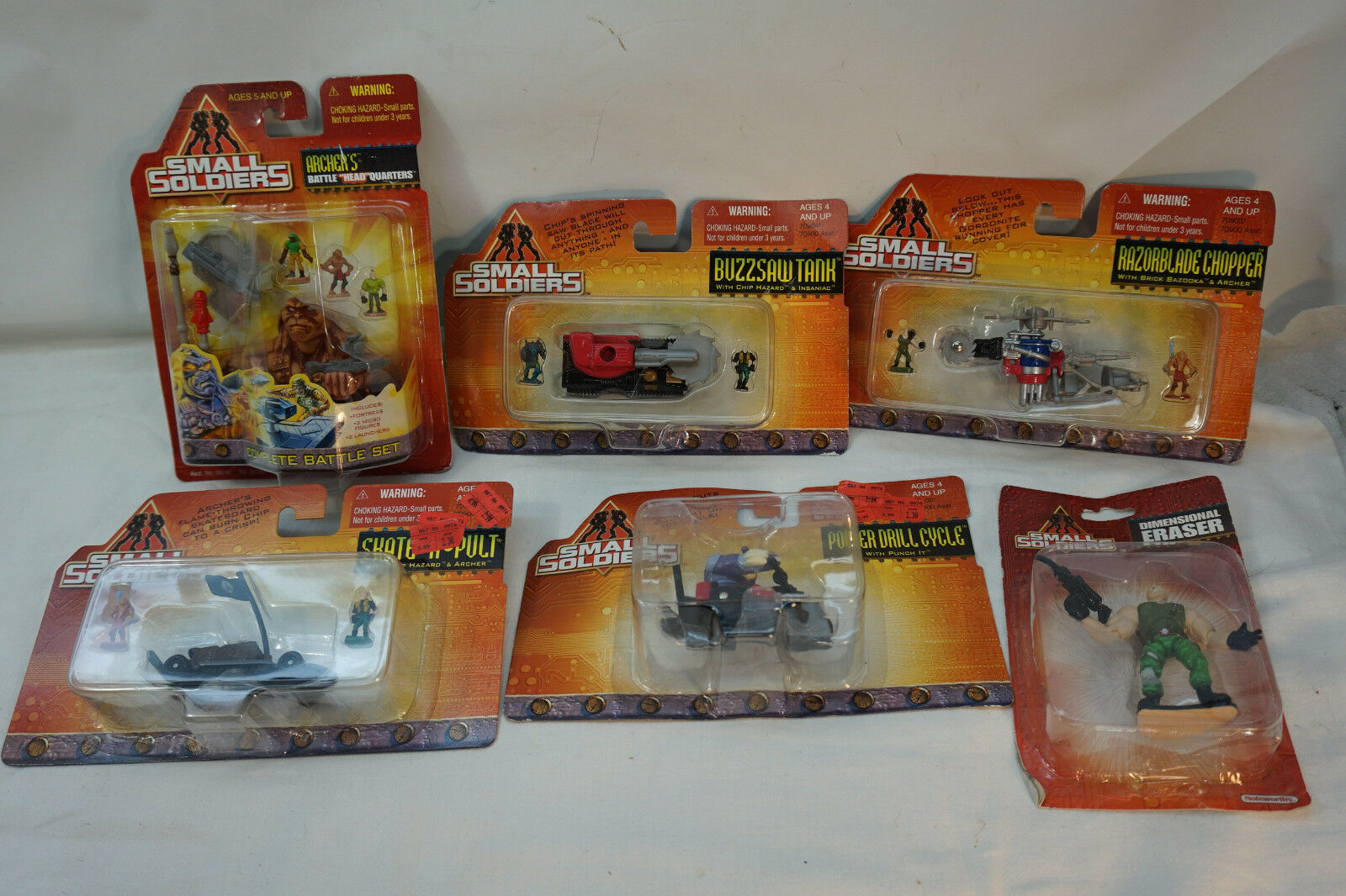 SMALL SOLDIERS HASBRO LOT ACTION FIGURES VEHICLES MIP NOTEWORTHY ERASER BATTLE