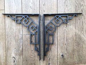 Um Par De Ferro Fundido Grande Art Deco suportes de prateleira suporte de design geométrico