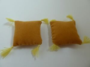 Dolls House Miniature 1:12th Scale Lounge Bedroom 2 x Gold Square Cushions
