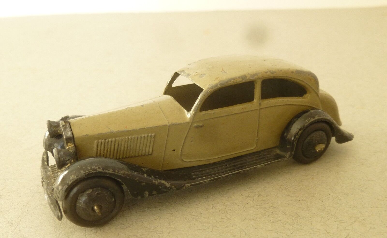DINKY TOYS Early Open Châssis version ROLLS ROYCE Berline 1940 S DINKY TOY