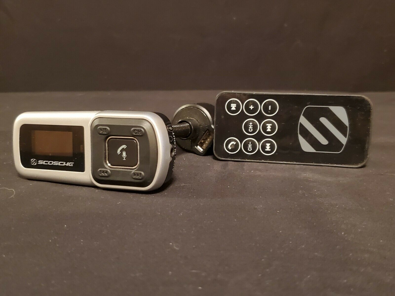 Scosche Bluetooth FM transmitter and Charger