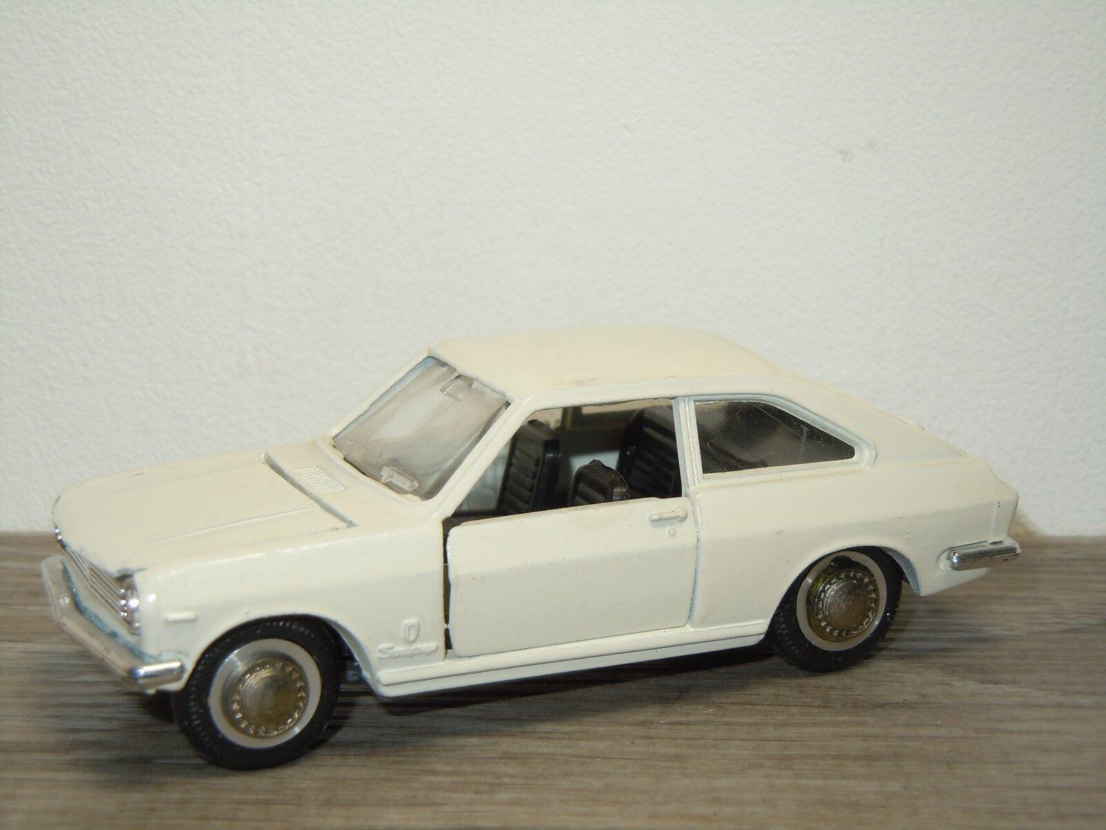 negozio d'offerta Nissan Sunny Coupe - Diapet Yoneazawa giocattoli D-223 Japan Japan Japan 1 40 33031  servizio di prima classe