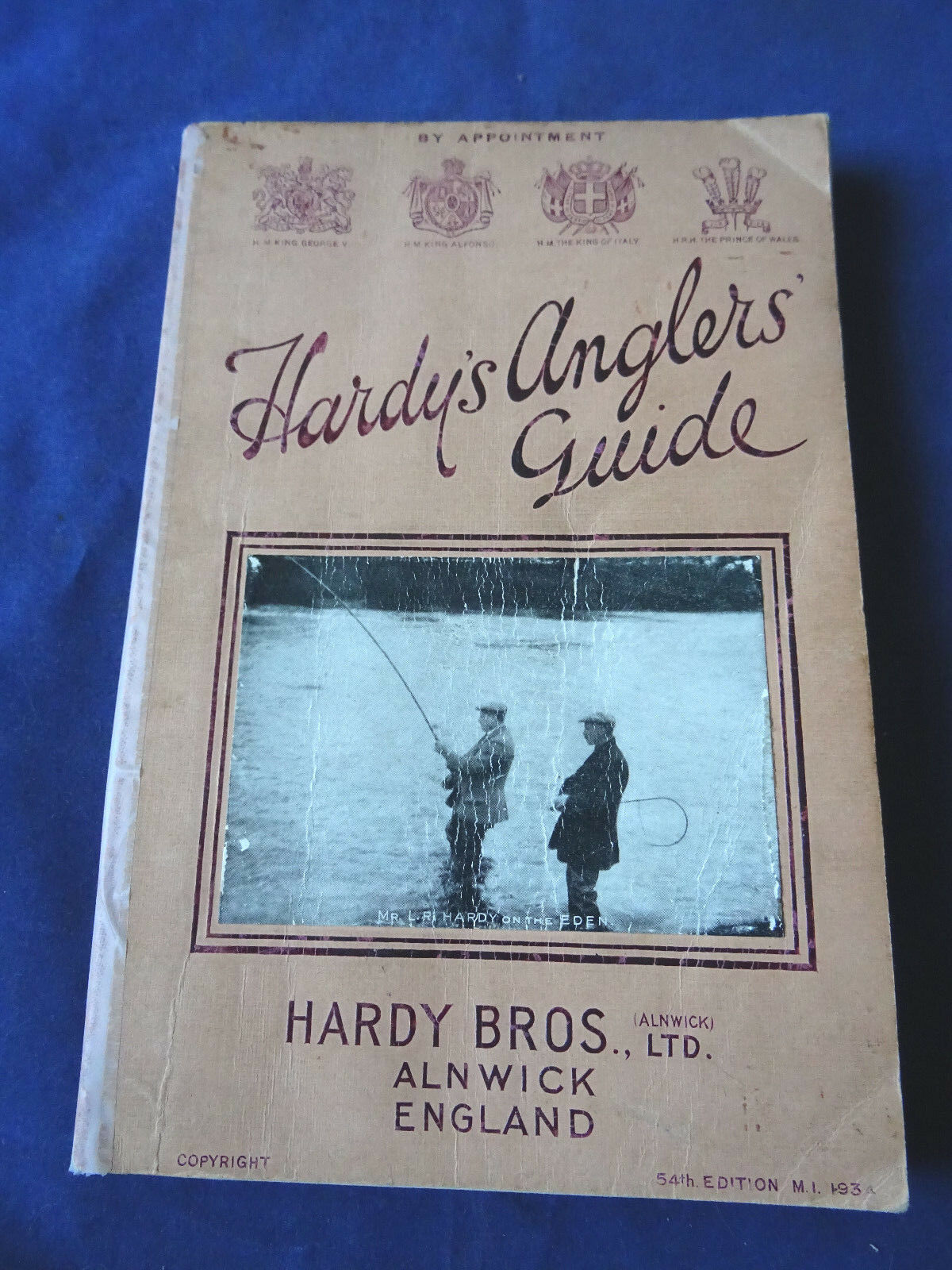 A SCARCE VINTAGE HARDY ADgreenISING FISHING CATALOGUE ANGLERS GUIDE FOR 1934