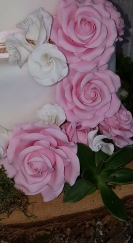 Cake decorating, sugar paste flowers medium RG rose