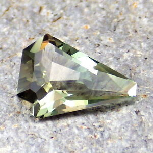 Vert Chrome Oregon Pierre de Soleil 3.03ct Flawless-Extremely Rare Couleur Pana vJU4rsxd-09122733-508567859