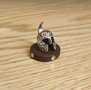 1/12 dolls house Miniature handmade Helmet Soldier Office desk weapon LGW