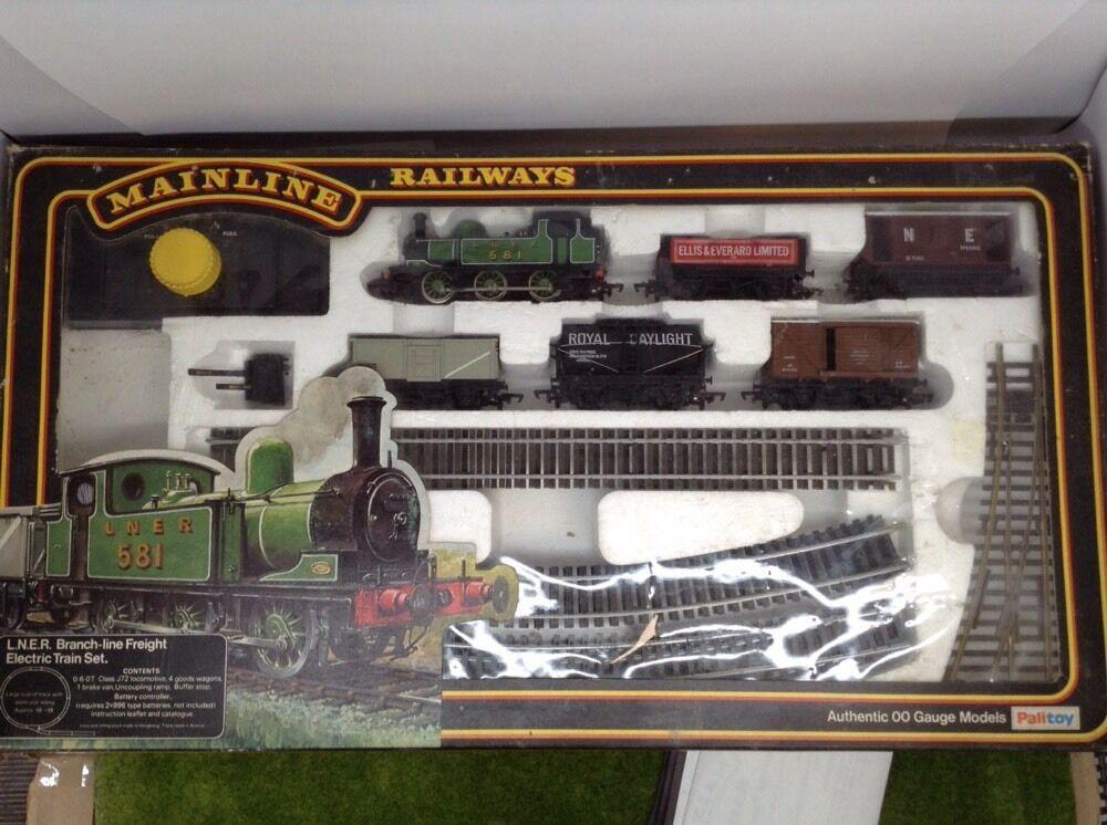 Mainline Railways 37 002 L.N.E.R. Branch Line Freight Set Boxed