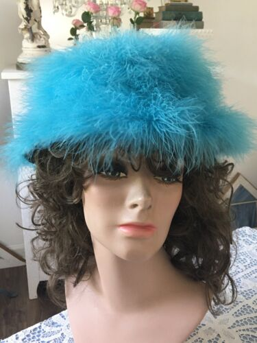Vintage HAPPY CAPPER 1960s TURQUOISE Feather MARAB