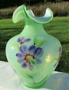 Fenton-Art-Glass-Green-Splendor-Hand-Painted-Purple-Floral-Vase-9-034-H-NIB