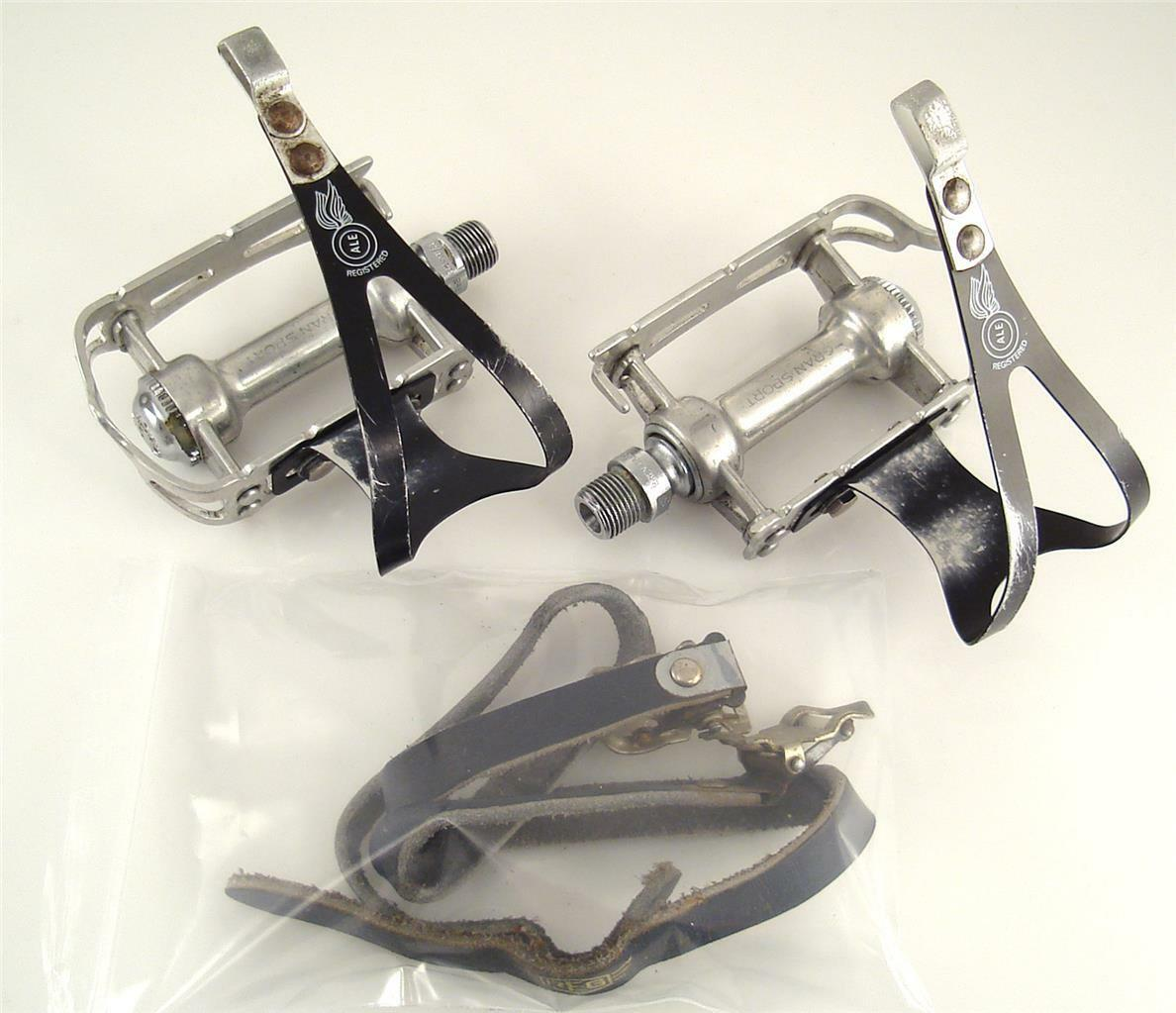 Vintage USED 1970s Campagnolo GRAN SPORT PEDALS + Clips Road Bike (O3)