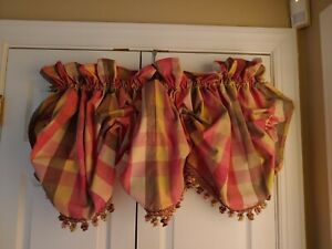 COUNTRY-CURTAINS-Moire-Plaid-Fringed-BALLOON-VALANCE-80-034-Rose-Gold-Green