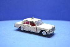 Schuco Mercedes 200 Taxi 805 1:66 95PS 160 km/h 806 Polizei