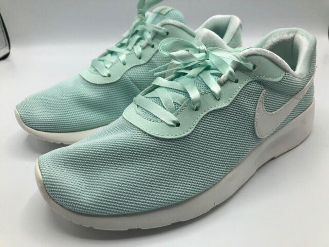 Fits Women 8 Nike Tanjun SE MINT Green