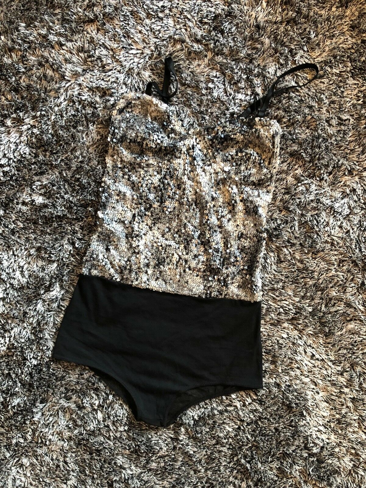 NEW WITHOUT TAGS - SEQUIN BODY - MESH - SMALL
