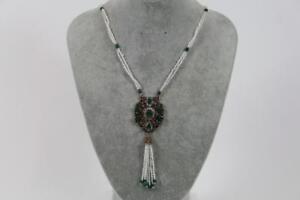 Grosses-Prunk-Collier-Halskette-Perlen-Schmuckmetall-mit-Steinbesatz-Barock-Stil