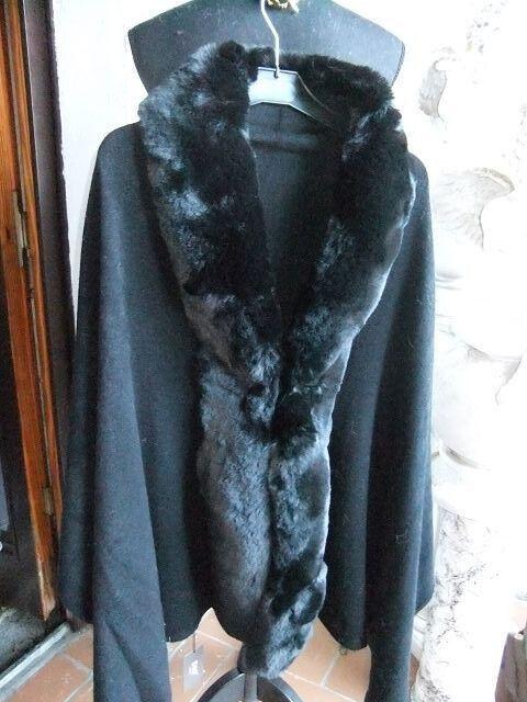 2270 Umhang grau mit Kunstfell Wolle super weich, kuschelig und warm