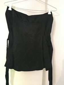Review-Skirt-in-Black-Size-8