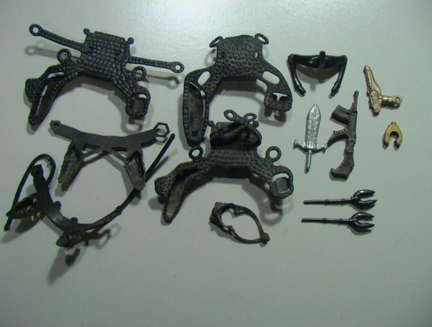 Sectaurs VINTAGE VINTAGE VINTAGE 1984  Lot of 13 Parts Belts Weapons C-6 Coleco Rubber           821cd9