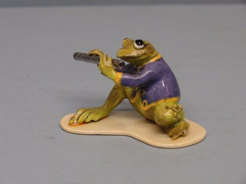 Hagen Renaker Specialty Frog Playing Flute