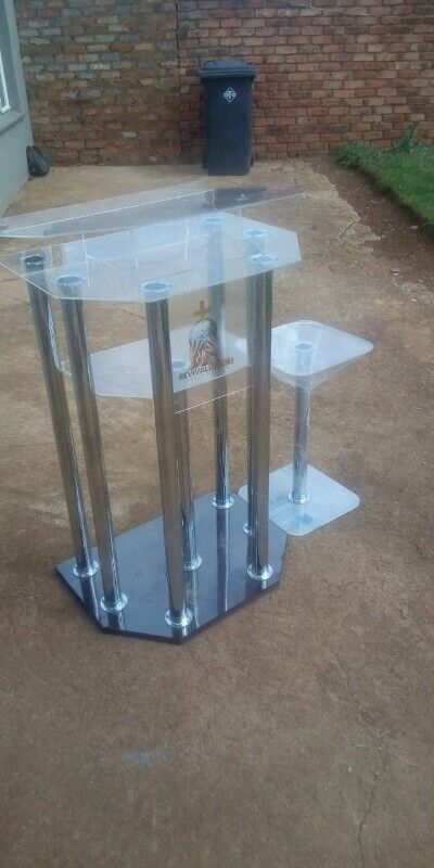 6 Leg Pulpit With 2 Side Tables